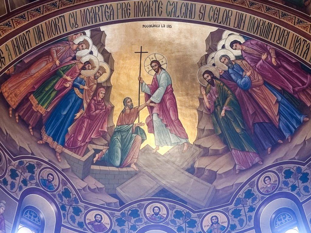 Hristos a înviat! La Mulți și Binecuvântați Ani tuturor!